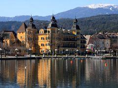 Schlosshotel Velden by <b>manfrezo</b> ( a Panoramio image )