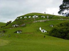 Hobbiton - Matamata by <b>hamsterman</b> ( a Panoramio image )