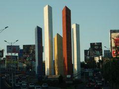 Torres de Ciudad Satelite desde periferico by <b>Agustin Pedrote</b> ( a Panoramio image )