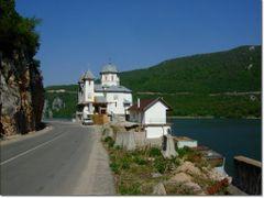 Manastirea Mraconia by <b>gabiavram</b> ( a Panoramio image )