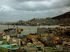 Busan by <b>Slinnodd</b> ( a Panoramio image )