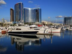 San Diego Marriott Marquis & Convention Center, California by <b>davidcmc58</b> ( a Panoramio image )