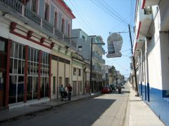 Mainstreet in Regla, Havana by <b>Eivind Friedricksen</b> ( a Panoramio image )