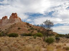 Castle Rock and Chambers Pillar by <b>yoorala</b> ( a Panoramio image )