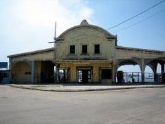 Old terminal in Regla, Havana by <b>Eivind Friedricksen</b> ( a Panoramio image )