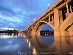 Broadway Bridge and Bess by <b>henryjames</b> ( a Panoramio image )