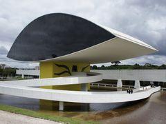 Museu Oscar Niemeyer vista a partir do onibus City Tur - Curitib by <b>Paulo Yuji Takarada</b> ( a Panoramio image )