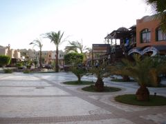 Platz in Down Town, El Gouna by <b>bernyz</b> ( a Panoramio image )