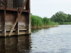 Odra Wschodnia - druga sluza  - Floodgate by <b>Dworzanski.Gryfino</b> ( a Panoramio image )