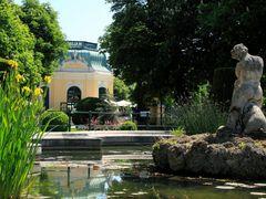 Pavillon in   Zoo, Vienna - Schonbrunn by <b>manfrezo</b> ( a Panoramio image )
