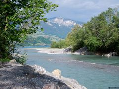 Lake Thun, the delta of the river Kander (in the background: Mou by <b>kurt.fotosuisse</b> ( a Panoramio image )