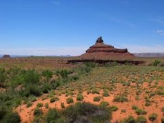 Dry river bed in the desert - Valley of the Gods, Utah, USA by <b>The Man in the Maze™</b> ( a Panoramio image )