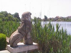 Lion Spring on the lake by <b>Vokrug Sveta</b> ( a Panoramio image )