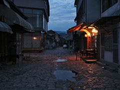 An empty street by <b>dardani.m</b> ( a Panoramio image )