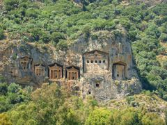 Dalyan -  Lycian tombs, Dalyan - Likya kaya mezarlar?, Дальян -  by <b>hranom</b> ( a Panoramio image )