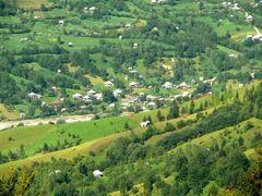 Poienile de sub Munte widziane z Obciny by <b>cacuskrupka</b> ( a Panoramio image )
