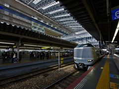 Renewal of the JR Osaka station. by <b>miyo0117</b> ( a Panoramio image )