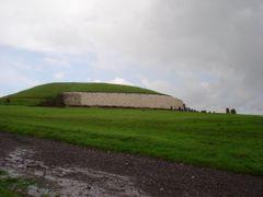 Newgrange by <b>Ancsa</b> ( a Panoramio image )