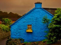 The House with the Yellow Window by <b>GWHoffman</b> ( a Panoramio image )