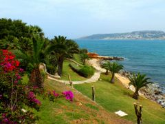 Mellieha Bay Hotel by <b>Mario Mizzi</b> ( a Panoramio image )