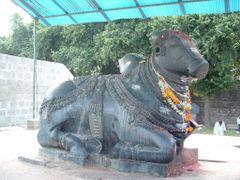 Nandi at Thousand Pillars Temple by <b>Satya Josyula</b> ( a Panoramio image )