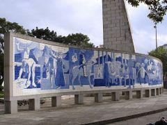Tiles Panel designed by Poty Lazzarotto, Curitiba/PR by <b>RNLatvian</b> ( a Panoramio image )