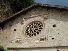 """Particolare, rosone Abbazia di Sant"""" Eutizio, Preci. by <b>Robert@Dona</b> ( a Panoramio image )"""
