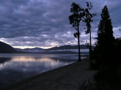 Lake Brunner morning twilight by <b>Tomas K?h?ut</b> ( a Panoramio image )