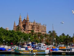 Catedral de Mallorca by <b>A..W..</b> ( a Panoramio image )