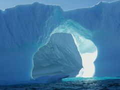 Green hole in Iceberg by <b>Baldvin Kristjansson</b> ( a Panoramio image )