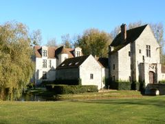 Chateau de Pontarme by <b>christian caffin</b> ( a Panoramio image )