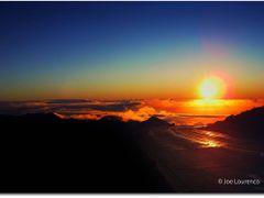 Haleakala Volcano Crater Maui Hawaii Sunrise by <b>Joe_Lourenco</b> ( a Panoramio image )