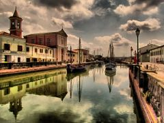 Cesenatico, porto canale by <b>marco .gi 46</b> ( a Panoramio image )
