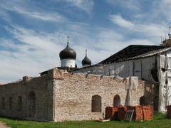 Трапезная с храмом св. Николая и покои настоятеля by <b>GES-RU</b> ( a Panoramio image )