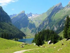 Alpsee mit umliegender Bergwelt by <b>ina-maria</b> ( a Panoramio image )