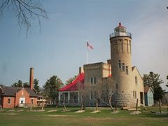 Michigan / Mackinaw-City / Historic Park old Mackinac Lighthouse by <b>Alfred Mueller</b> ( a Panoramio image )
