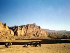 Afghanistan, Bamiyan,  Big Buddha valley by <b>Elios Amati (tashimelampo)</b> ( a Panoramio image )