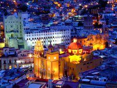 Hermosa Vista Nocturna de la Basilica de Guanajuato y La Univers by <b>? ? galloelprimo ? ?</b> ( a Panoramio image )