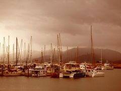 Townsville, Qld, Australia by <b>nipper30</b> ( a Panoramio image )