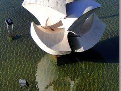 Palacio Itamaraty, Escultura Meteoro de Bruno Giorgi, Brasilia by <b>Rubens Craveiro</b> ( a Panoramio image )