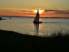 My First Canadian Sunset by <b>cindy555</b> ( a Panoramio image )