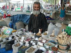 Seller on Shah Mansur Bazaar, Dushanbe by <b>Andrej Pausic</b> ( a Panoramio image )