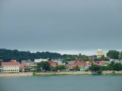 Flores, isla en el lago Peten by <b>Jared J. Myers</b> ( a Panoramio image )
