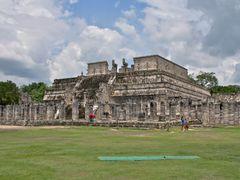 El templo de los Guerreros by <b>ТАЈГА</b> ( a Panoramio image )