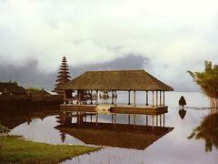 Temple,  Lake Bratan, Bali by <b>Lillimi</b> ( a Panoramio image )