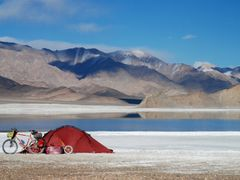 camp near bright blue salt lake by <b>wal+</b> ( a Panoramio image )