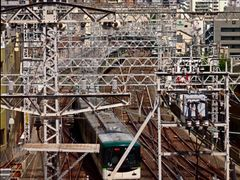 Busy lines (Kyobashi, Osaka, Japan) by <b>taoy</b> ( a Panoramio image )