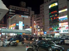Changwon at Night by <b>ossewa</b> ( a Panoramio image )