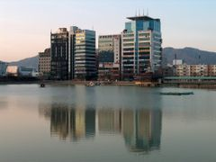 Yongji Lake by <b>ossewa</b> ( a Panoramio image )
