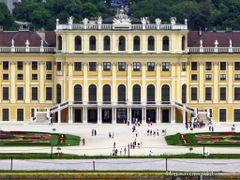 Schonbrunn Palace by <b>Lee Iljoo</b> ( a Panoramio image )